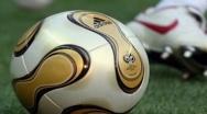 Fotbalul românesc mai pierde un club de tradiţie. Patronul a luat banii din televizări şi a ABANDONAT echipa