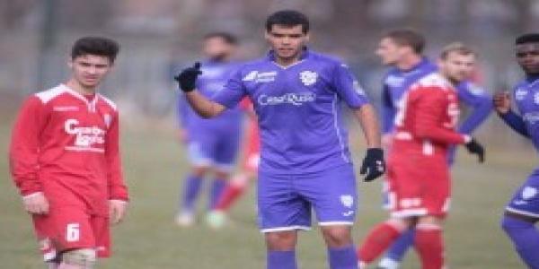 ACS Poli și-a prezentat noii jucători înainte de duelul cu FC Voluntari » Florin Marin mai așteaptă doi fotbaliști