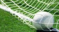 Lupta nebuna pentru play-off: Cinci echipe, patru locuri si numai doua etape