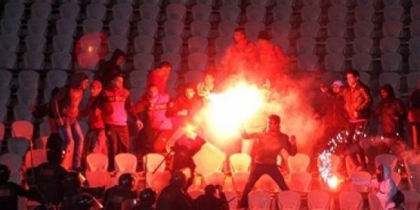 Zece suporteri au fost condamnaţi la moarte pentru violenţe pe stadioane. Cele mai grele pedepse din istoria fotbalului